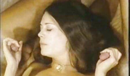 دختر fucks سایت های دانلود رایگان فیلم سکسی در سگ روسی در مقعد در دوربین