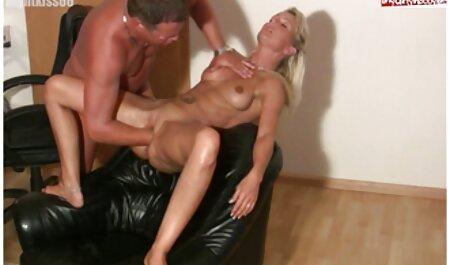 مدل دختر بمکد و fucks در دانلود فیلم سکسی رایگان