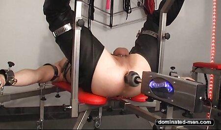 یک دانش آموز در دامن کوتاه یک امتحان دانلود رایگان فیلم س دشوار در آناتومی انجام می دهد