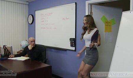معشوقه می آموزد دانلود رایگان فیلم پورن کم حجم فروتنی به دو brunettes داغ زیبا
