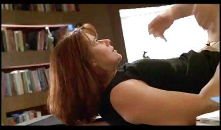 Masturbated در دوربین و سریال سکسی رایگان به