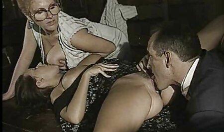 تیفانی دانلود رایگان فیلمهای سینمایی سکسی قرار داده و آب نبات خود را در جوراب ساق بلند
